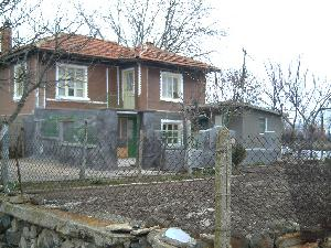 Be self sufficient own a<br /> smallholding in Bulgaria in Golyam Monastir in Bulgaria